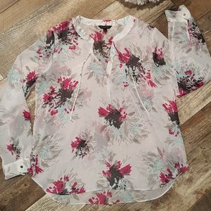 Beautiful Banana Republic Blouse!